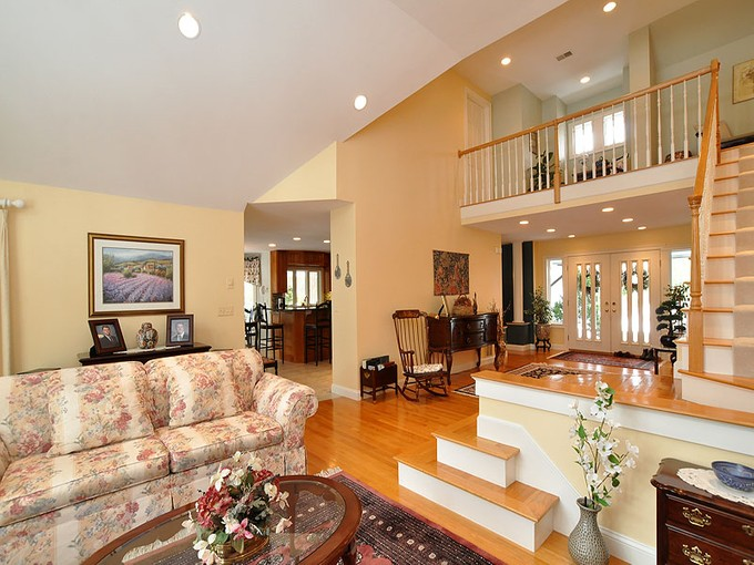 Villa for sales at Single Family At Ipswich Country Club 212 Country Club Way Ipswich, Massachusetts 01938 Stati Uniti