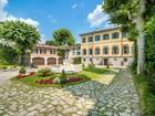 Apartamentos multi-familiares for  sales at Stunning property alongside Lake Como  Como, Como 22100 Itália
