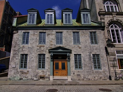 Einfamilienhaus for sales at Old Montréal 221 Rue du St-Sacrement Montreal, Quebec H2Y1X2 Kanada