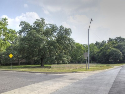 Terreno for sales at 100 N Rivercrest Drive  Fort Worth, Texas 76107 Estados Unidos