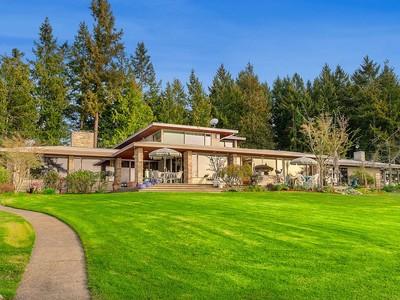 Nhà ở một gia đình for sales at www.KetronIslandLifestyle.com 10101 Morris Blvd Ketron Island Steilacoom, Washington 98388 Hoa Kỳ
