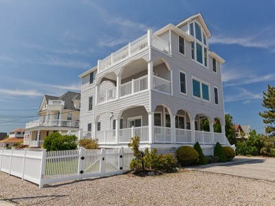 Tek Ailelik Ev for sales at Awesome Oceanfront! 456 Ocean Ave  Long Branch, New Jersey 07740 Amerika Birleşik Devletleri