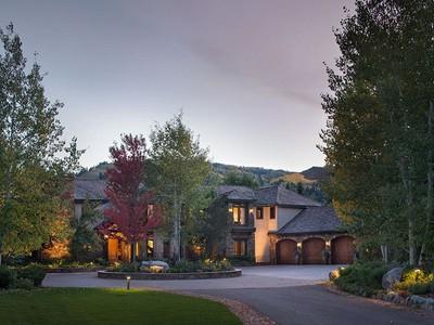 Частный односемейный дом for sales at Have your own private park in Aspen! 73 Hideaway Lane  Aspen, Колорадо 81611 Соединенные Штаты