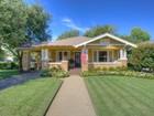 Casa Unifamiliar for sales at 2020 Carleton Avenue   Fort Worth, Texas 76107 Estados Unidos