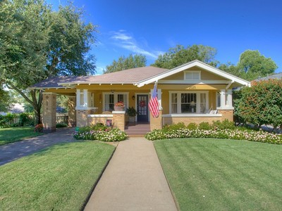 Single Family Home for sales at 2020 Carleton Avenue   Fort Worth, Texas 76107 United States