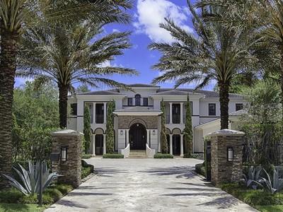 独户住宅 for sales at 9601 SW 60 CT  Pinecrest, 佛罗里达州 33156 美国