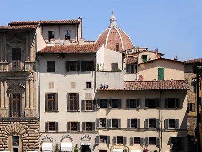 Townhouse for sales at Entire building in Piazza della Signoria in Florence  Firenze, Florence 50122 Italy