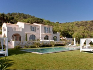 Villa for sales at Prestigious new property with sea views for sale  Saint Tropez, Provenza-Alpi-Costa Azzurra 83990 Francia