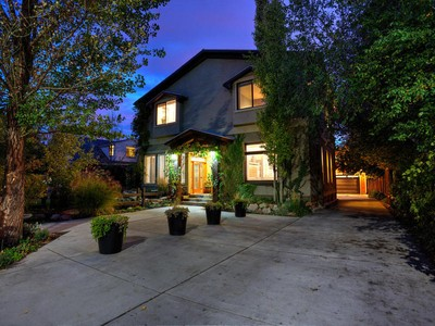Vivienda unifamiliar for sales at Timeless Two-Story in Prime Salt Lake Location 522 South 1300 East   Salt Lake City, Utah 84102 Estados Unidos