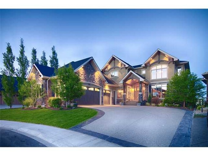 Maison unifamiliale for sales at 351 Chapala Point SE    Calgary, Alberta T20A2 Canada