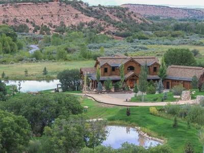 Maison unifamiliale for sales at Private 40 acre Family Ranch minutes from Park City 7500 South 47370 West Fruitland, Utah 84027 États-Unis