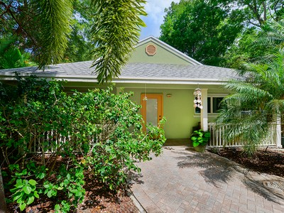 Single Family Home for sales at Chaming Home 115 Mohawk Street Plantation Key, Florida 33070 United States