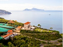 for sales at Spectacular property with panoramic views of the Sorrentina Peninsula Sorrento Napoli, Naples 80061 Italia