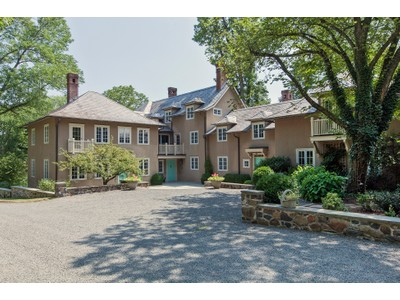 Villa for sales at Country Estate in a Spectacular Setting 906 Great Road Princeton, New Jersey 08540 Stati Uniti