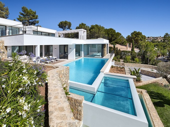 Apartamentos multi-familiares for sales at New villa with 4 bedrooms in Santa Ponsa  Calvia, Palma De Maiorca 07180 Espanha