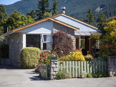Casa Unifamiliar for sales at 15 Brisbane Street, Queenstown  Queenstown, Lagos Del Sur 9300 Nueva Zelanda