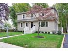 Частный односемейный дом for  sales at 37 Laurel Street    Shrewsbury, Нью-Джерси 07702 Соединенные Штаты