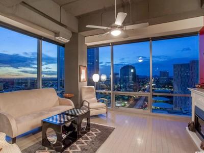 Eigentumswohnung for sales at Spectacular Panoramic Views From This Luxury One Lexington Ave Condominium 1 E Lexington Ave #1309 Phoenix, Arizona 85012 Vereinigte Staaten
