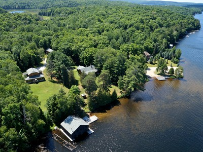 Autre résidentiel for sales at Ultimate Family Compound on Lake of Bays 1133 Boyces Rd Muskoka, Ontario P0A1H0 Canada