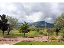 Einfamilienhaus for sales at Spacious Custom Family Home With Guest House On 4 Acres In Hereford, AZ 5766 E Calle Coyote   Hereford, Arizona 85615 Vereinigte Staaten