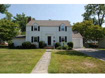 独户住宅 for sales at Sunny Center Hall Colonial in Sun Haven 103 Sunhaven Drive   New Rochelle, 纽约州 10801 美国