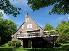 Maison unifamiliale for  sales at Impressively Constructed Home 15 Tapping Tree Dover, Vermont 05356 États-Unis