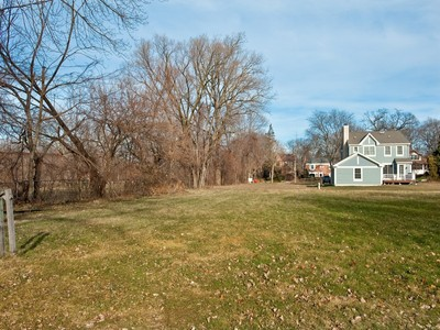 Land for sales at Build Your Dream Home! 206 N Girard Avenue Wilmette, Illinois 60091 United States