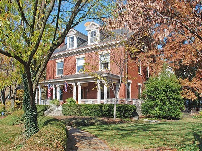 Villa for sales at Hyde Park Gem 2570 Erie Avenue Cincinnati, Ohio 45208 Stati Uniti