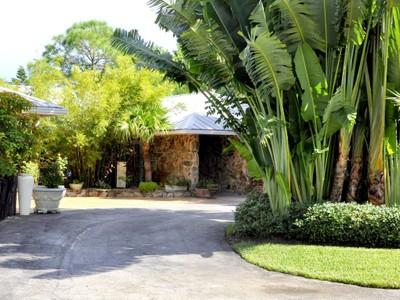 Einfamilienhaus for sales at 17307 SE Galway Ct.   Tequesta, Florida 33469 Vereinigte Staaten