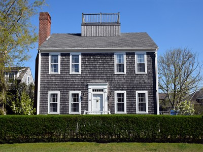 Maison unifamiliale for sales at In the Heart of Brant Point! 45 Easton Street Nantucket, Massachusetts 02554 États-Unis