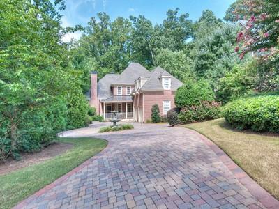 단독 가정 주택 for sales at Exceptional Home In Sandy Springs 180 Stewart Drive Sandy Springs, 조지아 30342 미국