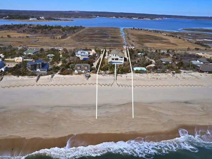 Maison unifamiliale for sales at Premier Quogue Oceanfront 204 Dune Road Quogue, New York 11959 États-Unis