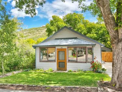 Nhà ở một gia đình for sales at Charming Historic Single Level Home Featuring Flat Driveway 1114 Park Ave  Park City, Utah 84060 Hoa Kỳ