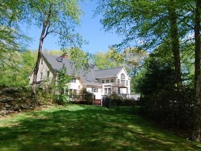 獨棟家庭住宅 for sales at Fabulous Oak Timber Framed Home 54 Catbrier  Road Weston, 康涅狄格州 06883 美國