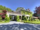 단독 가정 주택 for  sales at Starboard House 138 Narragansett Avenue Newport, 로드아일랜드 02840 미국