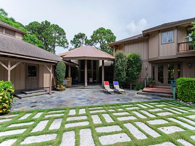 Vivienda unifamiliar for sales at PINE RIDGE 63  Eugenia Dr  Naples, Florida 34108 Estados Unidos