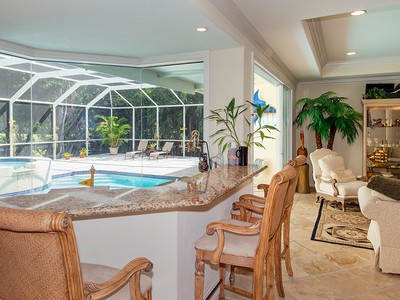 Maison unifamiliale for sales at Golf Course Home at Ocean Reef 39 Thatch Palm Way Key Largo, Florida 33037 États-Unis