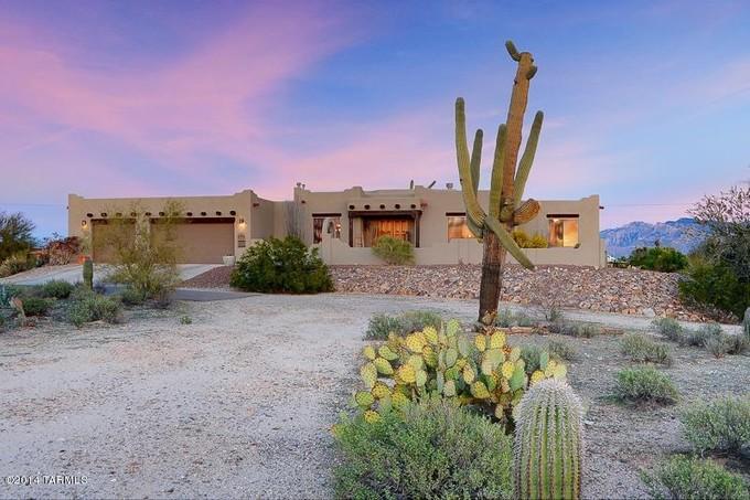 Casa Unifamiliar for sales at Perfect Southwest Contemporary on 3.31 Acres 5425 W Oasis Road Tucson, Arizona 85742 Estados Unidos