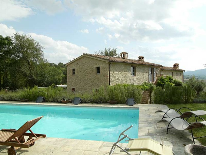 Maison unifamiliale for sales at Stone farmhouse with stunning views Voc. Caibizzocco Montone, Perugia 06014 Italie