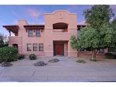Кооперативная квартира for sales at Pristine Contemporary Condo Near UofA 620 E Harvill Drive #103  Tucson, Аризона 85705 Соединенные Штаты