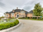Einfamilienhaus for  sales at Custom Built Oasis 1010 Lakeshore Road Saint Catharines, Ontario L2R6P9 Kanada