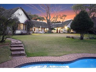 Maison multifamiliale for sales at Farm thatch house with cottage on 3,000 sqm  Johannesburg, Gauteng 2196 Afrique Du Sud