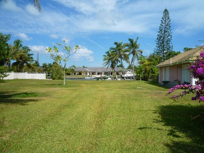 Land for sales at Rainbow Road Canalfront Lot Lyford Cay, New Providence/Nassau Bahamas