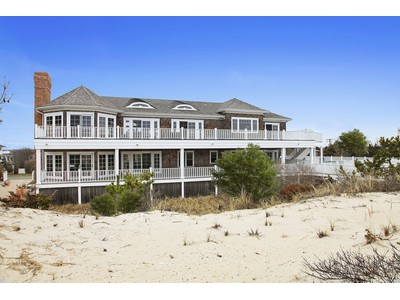 Einfamilienhaus for sales at Between the Bridges 175 Dune Road Westhampton Beach, New York 11978 Vereinigte Staaten