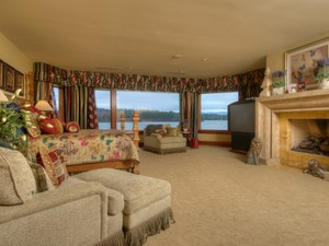 Additional photo for property listing at Governors Island Estate 296 Edgewater Drive  Gilford, 新罕布什尔州 03249 美国