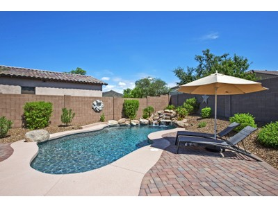 Einfamilienhaus for sales at Beautiful 4 Year Old Upgraded Resort Style Home With Open Floor Plan 24111 N 23rd Way Phoenix, Arizona 85024 Vereinigte Staaten