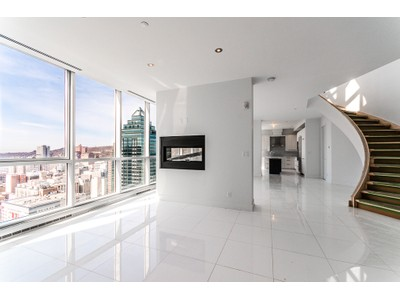 Condominio for sales at Montréal 1225 Rue University, apt. PH3202 Montreal, Quebec H3B9A9 Canada