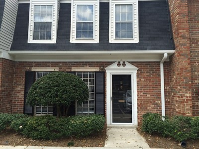 Townhouse for sales at Hurry! Priced To Sell! 13 Newport Place Atlanta, Georgia 30318 United States