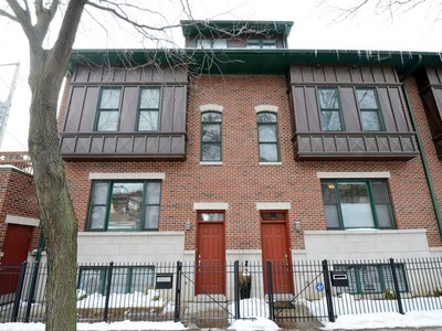 Moradia em banda for sales at Beautiful 4 Bedroom Townhome 3120 N Paulina Street Chicago, Illinois 60657 Estados Unidos