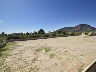 Land for sales at Premium Paradise Valley Build To Suit Or Buy To Hold Custom Home Site 6737 East Rovey Avenue #01 Paradise Valley, Arizona 85253 United States